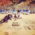 Bacary Sagna, son épouse Ludivine et leurs enfants en vacances au Portugal - photo publiée sur son compte Twitter le 23 juin 2015