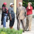 """Bobbi Brown et d'autres membres de la famille de Bobbi Kristina Brown arrivent au """"Peachtree Christian Hospice"""" pour lui rendre visite à Duluth en Georgie, le 29 juin 2015. L'etat de Bobbi n'a pas évolué."""
