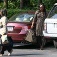 """Pat Houston, Tina Brown et d'autres membres de la famille de Bobbi Kristina Brown arrivent au """"Peachtree Christian Hospice"""" pour lui rendre visite à Duluth en Georgie, le 29 juin 2015. L'etat de Bobbi n'a pas évolué."""