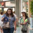 Exclusif - Eva Longoria en pleine séance de shopping en bikini dans les rues de Marbella en Espagne, le 4 juillet 2015