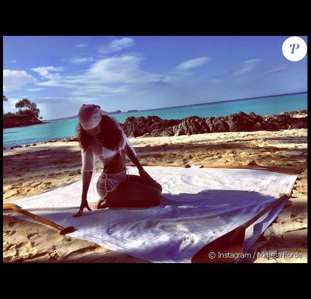 Rihanna, sexy touriste à Hawaï. Photo publiée le 26 avril 2015.