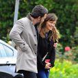 Ben Affleck et sa femme Jennifer Garner, complices dans les rues de Brentwood, le 11 décembre 2014.