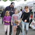Ben Affleck et Jennifer Garner font du shopping avec leurs enfants à Los Angeles Le 14 Juin 2015
