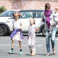 Jennifer Garner emmène ses enfants Seraphina, Violet et Samuel chez le dentiste à Brentwood le 18 mai 2015