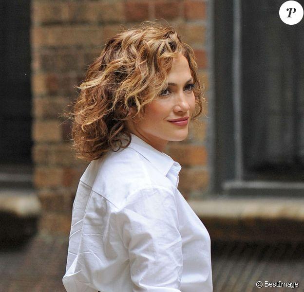 """Jennifer Lopez sur le tournage de la série """"Shades of Blue"""" à New York, le 8 juillet 2015"""