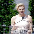 La princesse Charlene de Monaco a fait par surprise samedi 11 juillet 2015 son premier discours en français à l'occasion de la célébration des 10 ans de règne du prince Albert II, bouleversé par cette délicate attention...