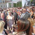 Le prince Albert II de Monaco et la princesse Charlene ont été fêtés superbement samedi 11 juillet 2015 lors de la célébration des 10 ans de règne du souverain monégasque.