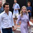 Ekaterina Rybolovleva et son compagnon. Concert organisé le 12 juillet 2015 sur la place du palais princier à Monaco, avec Robbie Williams et Lemar, en clôture des célébrations des 10 ans de règne du souverain.