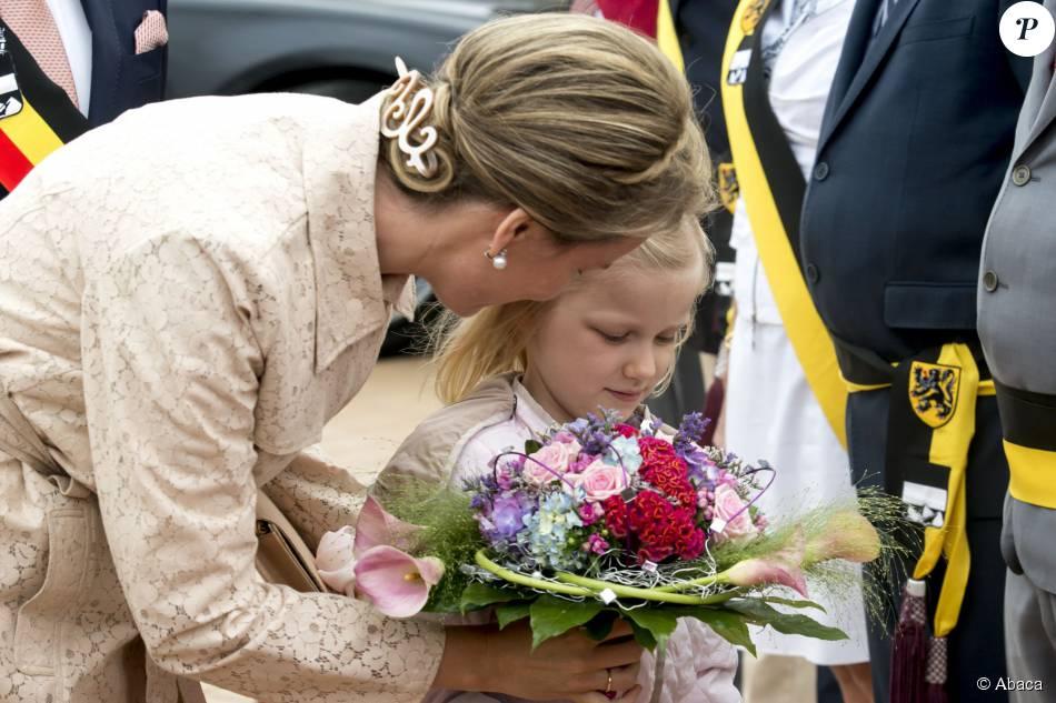 La princesse Eléonore de Belgique accompagnait sa mère la reine Mathilde, le 12 juillet 2015, pour la fête de la bénédiction de la mer, sur la plage de Blankenberge.