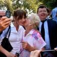 """""""Carla Bruni-Sarkozy participe à une rencontre avec Les Républicains au jardin Albert 1er à Nice le 19 juillet 2015."""""""