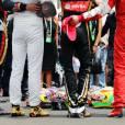 Les pilotes ont observé une minute de silence, entourant le casque de Jules Bianchi lors de l'hommage qui lui était rendu au Grand Prix de Hongrie, le 26 juillet 2015 à Mogyoród
