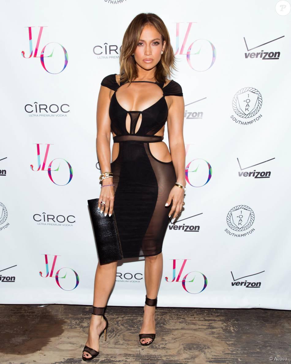 a8b79bdf68a Jennifer Lopez fête ses 46 ans au 1OAK de Southampton. Le 25 juillet 2015.