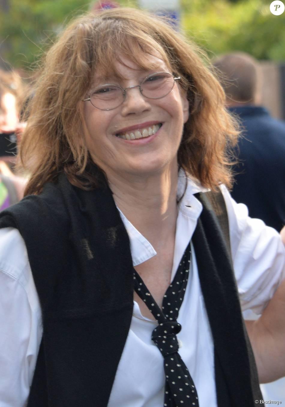 04ba17f8a364 Jane Birkin ne veut plus qu un sac Hermès porte son nom. 123 partages.  Partager sur facebook Article suivant  . Jane Birkin - Arrivée des people  au défilé ...