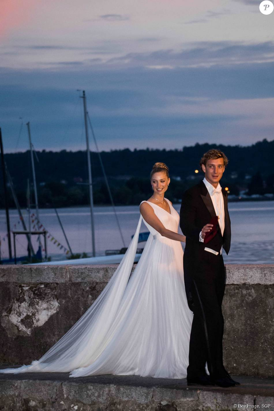 pierre casiraghi et beatrice borromeo un mariage de r ve purepeople. Black Bedroom Furniture Sets. Home Design Ideas