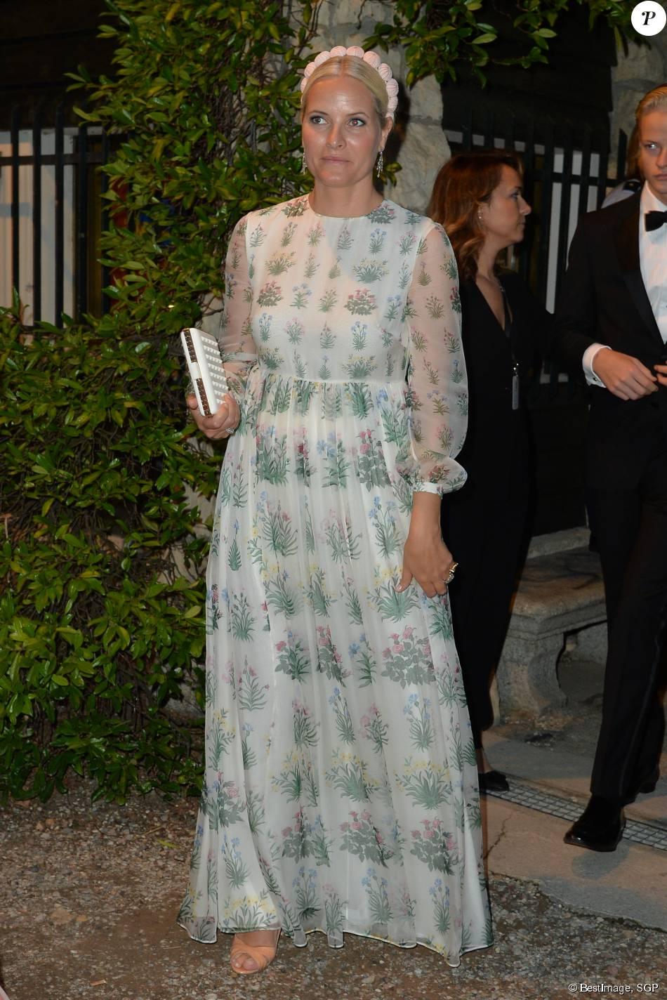 La princesse Mette-Marit de Norvège - Arrivées pour la soirée de mariage de Pierre Casiraghi et Beatrice Borromeo au château Rocca Angera (château appartenant à la famille Borromeo) à Angera sur les Iles Borromées, sur le Lac Majeur, le 1er août 2015.
