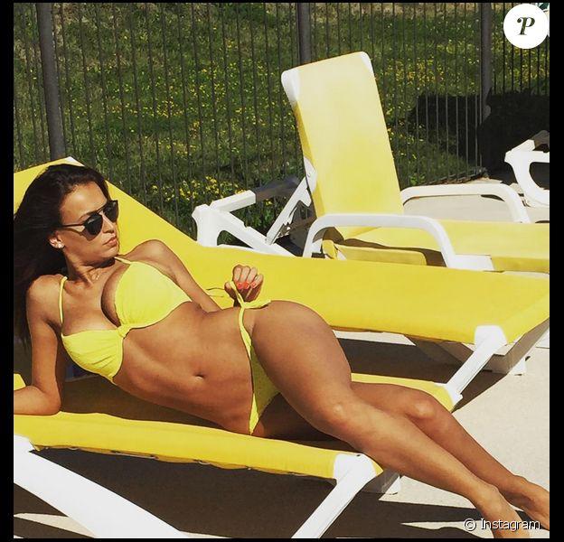 Julie Ricci (Secret Story 4) : superbe en bikini pendant ses vacances d'été