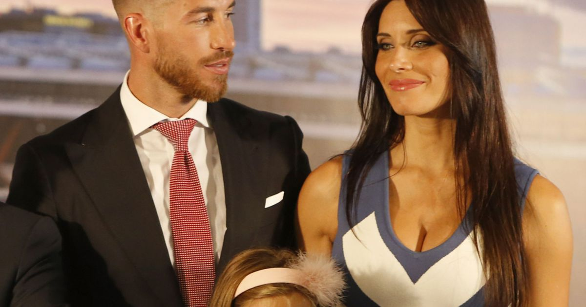 sergio ramos et sa compagne pilar rubio enceinte sergio ramos prolonge son contrat avec le. Black Bedroom Furniture Sets. Home Design Ideas