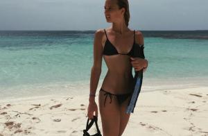 Ilona Smet : Vacances en amoureux, splendide en bikini !