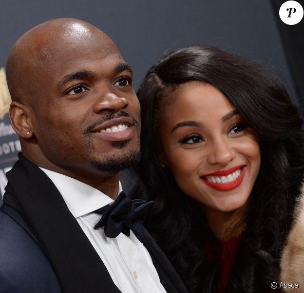 Adrian Peterson et son épouse Ashley, future maman, lors des Annual NFL Honors au Radio City Music Hall de New York le 1er février 2014