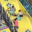 """Mariah Carey passe la journée avec ses enfants Monroe et Moroccan dans un parc d'attraction avec un ami à Malibu, le 7 septembre 2015, puis se rend à la foire """"Kiwanis Chili Cook-Off And Fair""""."""