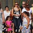 Mariah Carey passe la journée avec ses enfants Monroe et Moroccan dans un parc d'attractions à Malibu, le 7 septembre 2015