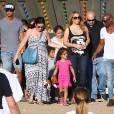 Mariah Carey passe la journée avec ses enfants Monroe et Moroccan dans un parc d'attraction à Malibu, le 7 septembre 2015