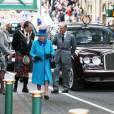 La reine Elizabeth II, accompagnée par son époux le duc d'Edimbourg, inaugurait une nouvelle voie de chemin de fer à la frontière anglo-écossaise le 9 septembre 2015, jour où elle dépassait le record de longévité sur le trône de sa trisaïeule la reine-impératrice Victoria.