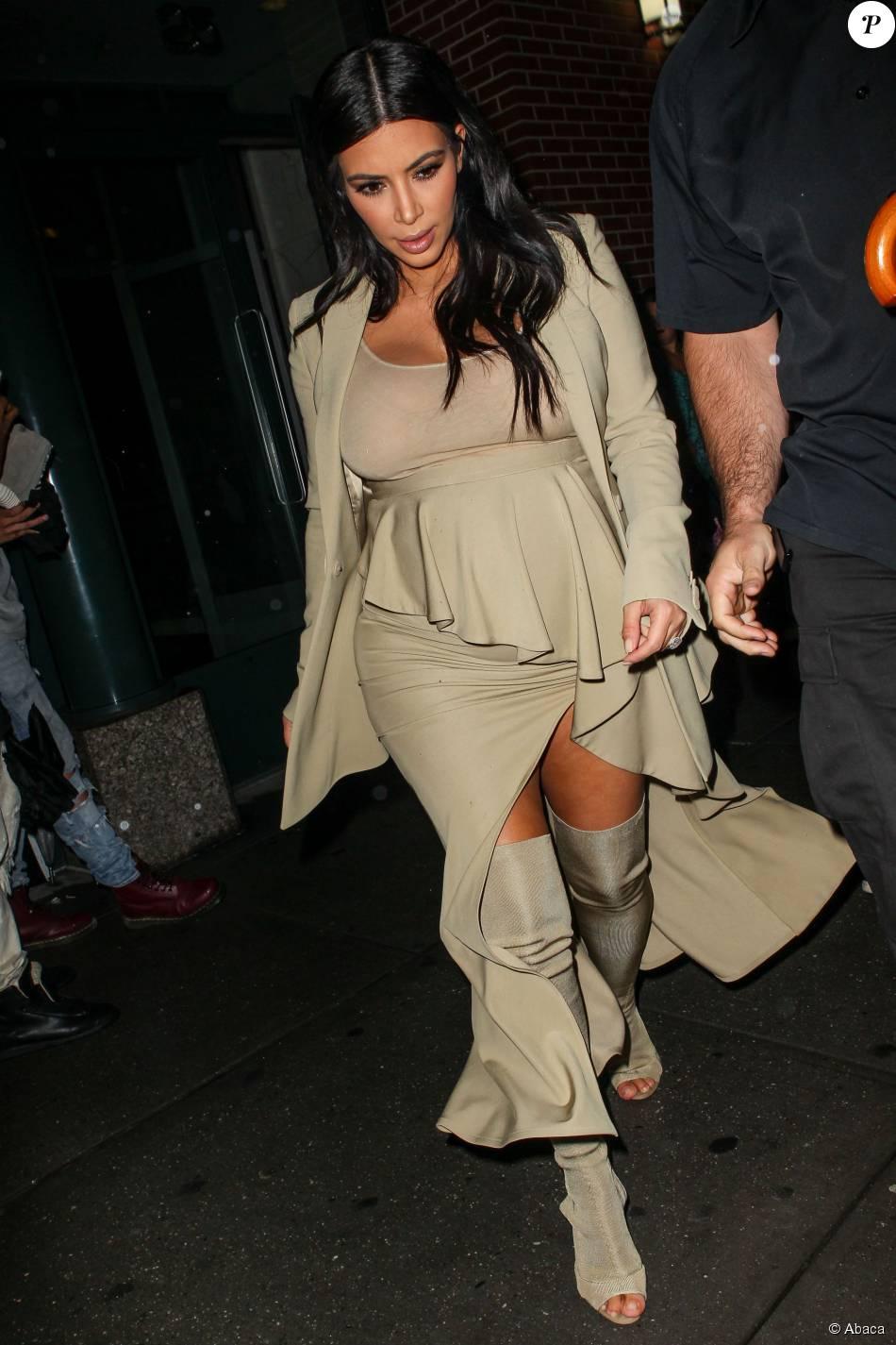 Kim Kardashian quitte son appartement à SoHo. New York, le 10 septembre 2015.