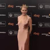 Sienna Miller : Robe nude et haute dose d'élégance face à Tom Hiddleston