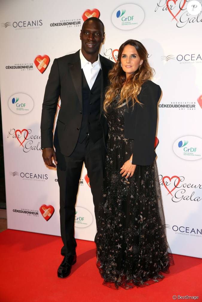 omar sy et sa femme h l ne lors du par coeur gala pour les 10 ans de l 39 association cekedubonheur. Black Bedroom Furniture Sets. Home Design Ideas