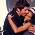 Jane avec son idole Patrick Fiori, et son coach désormais, dans The Voice Kids, le vendredi 25 septembre 2015, sur TF1
