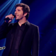 Jenifer, Patrick Fiori et Louis Bertignac débutent l'émission  The Voice Kids  en chantant le tube  Music  de John Miles.