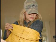 REPORTAGE PHOTOS : Jessica Simpson tente de passer incognito... c'est raté !