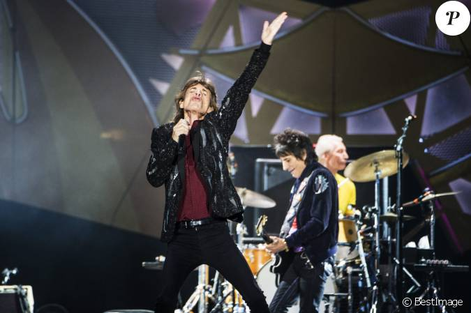 mick jagger ronnie wood et charlie watts les rolling stones en concert au tele2 arena. Black Bedroom Furniture Sets. Home Design Ideas