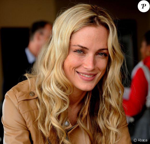 Reeva Steenkamp à Johannesburg - Oscar Pistorius a abattu sa compagne Reeva chez eux le 14 février 2013
