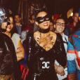Ciara, déguisée en Catwoman et surprise par son compagnon Russell Wilson le soir de son anniversaire. Burbank, le 24 octobre 2015.