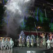 Star Wars : Jedis et stormtroopers font déjà le show pour Noël à Paris...