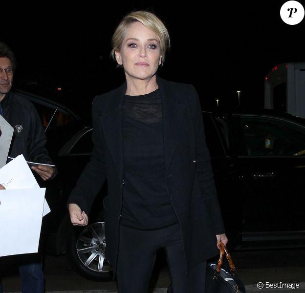 Sharon Stone arrive à l'aéroport de LAX à Los Angeles, le 3 novembre 2015