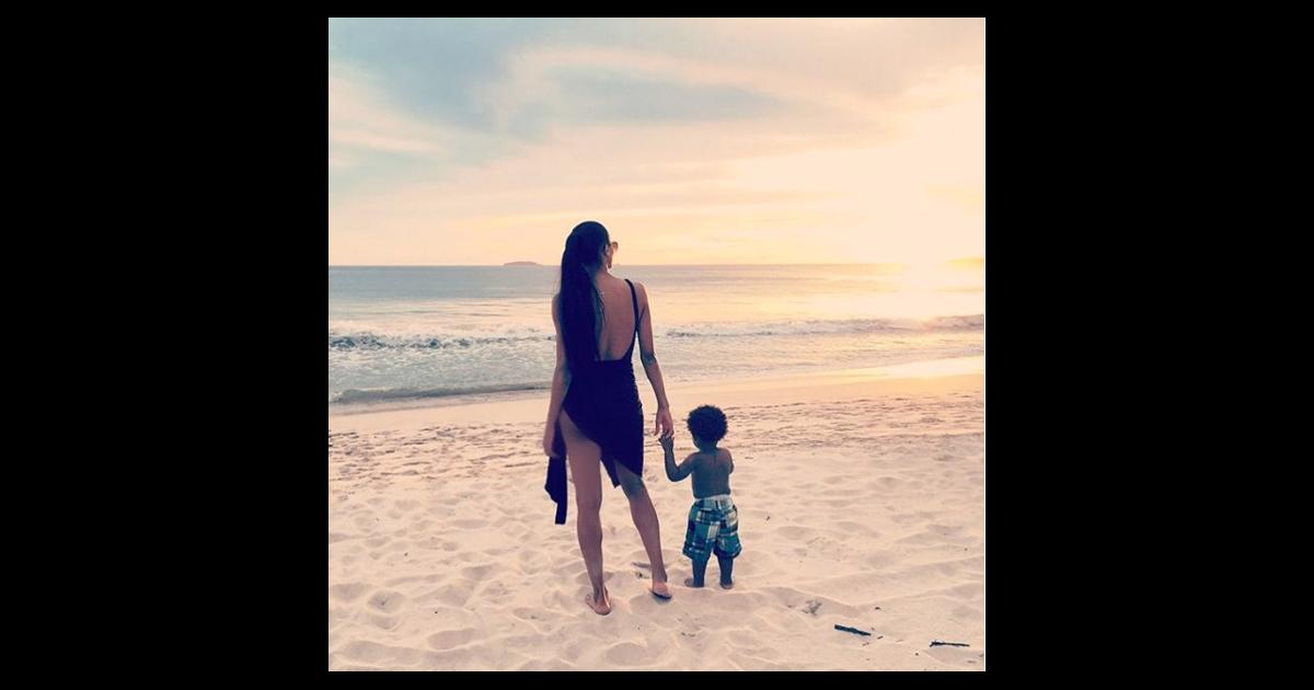 ciara et son fils future en vacances au mexique novembre 2015. Black Bedroom Furniture Sets. Home Design Ideas