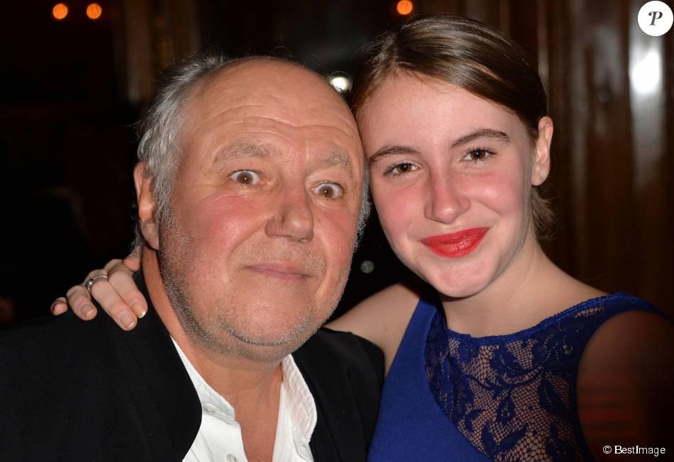 Marc Jolivet et sa fille - Remise du 2ème prix Bristol des Lumières au Bristol à Paris, le 12 novembre 2015. ©Veeren/Bestimage