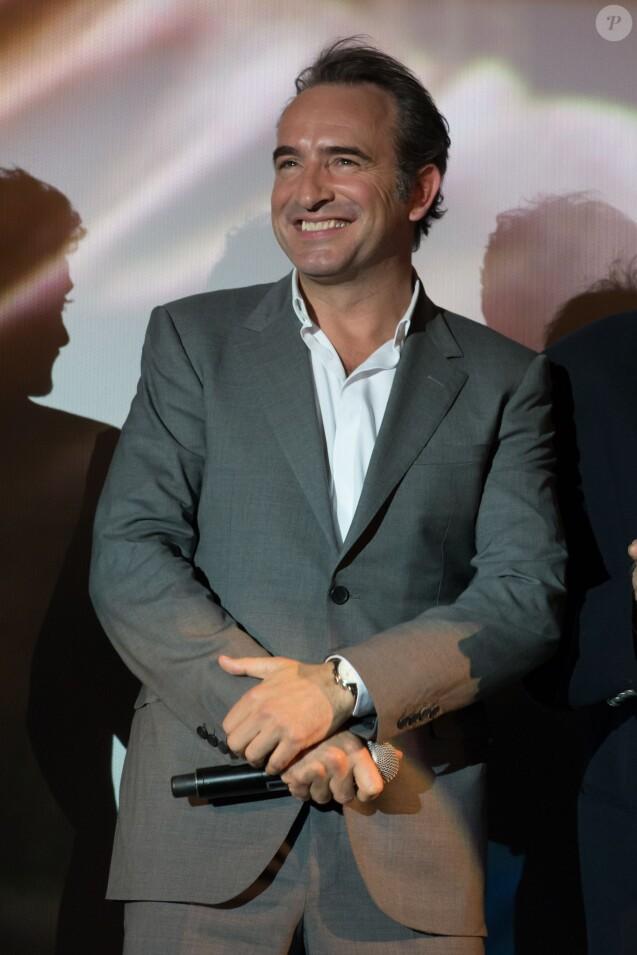 Jean dujardin aux anges devant sa bien aim e nathalie for Enfants de jean dujardin
