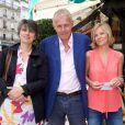 No Web Patrick Poivre d'Arvor et ses filles Dorothée et Morgane, au restaurant Les deux magots à Paris, en juin 2015.
