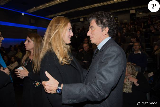 Exclusif julie gayet jack lang int rieur lors de l for Interieur paris premiere
