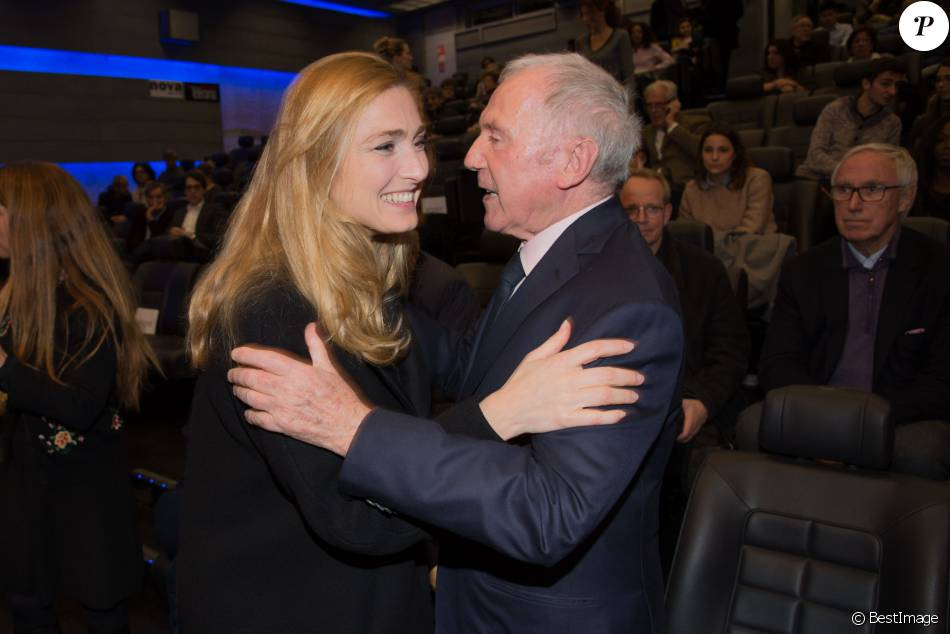 Exclusif fran ois pinault julie gayet int rieur lors for Interieur paris premiere