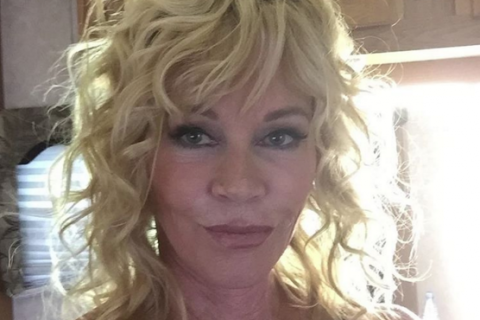 """Melanie Griffith sans filtre : Prête à affronter les méchancetés des """"haters"""""""