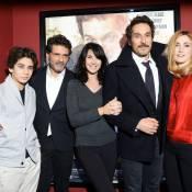 """Julie Gayet, radieuse au côté de Pascal Elbé et son fils, """"compte sur vous"""""""
