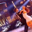 Loïc Nottet et Denitsa en freestyle lors de la finale de Danse avec les stars 6, sur TF1, le mercredi 23 décembre 2015