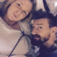 Aurélie Van Daelen dévoile une photo d'elle en pleine salle d'accouchement. Le 3 janvier 2015.