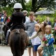 Le prince Vincent et la princesse Josephine de Danemark au château de Grasten le 19 juillet 2015 avec leurs parents Frederik et Mary, leur frère le prince Christian et leur soeur la princesse Isabella. Les jumeaux, plus jeunes des quatre enfants du prince Frederik et de la princesse Mary, fêtent le 8 janvier 2016 leurs 5 ans.