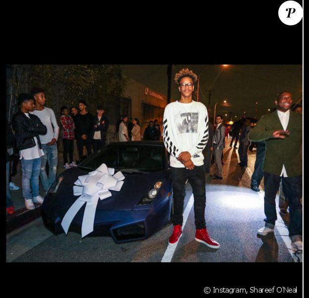 Shareef O'Neal devant son cadeau d'anniversaire - Photo publiée le 11 janvier 2016